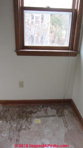 how to find water leak in wall