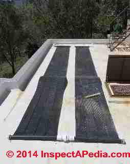 Système solaire de canalisation d'eau chaude (C) Daniel Friedman Pearson Murphy