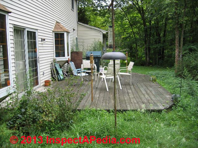 Low deck construction close to ground level for How to build a low deck