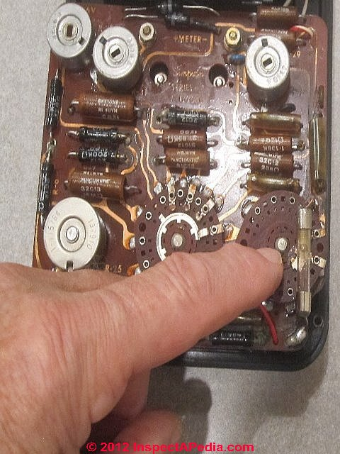 VOMS Analog Volt Ohm Meters how to choose amp Use a VOM to