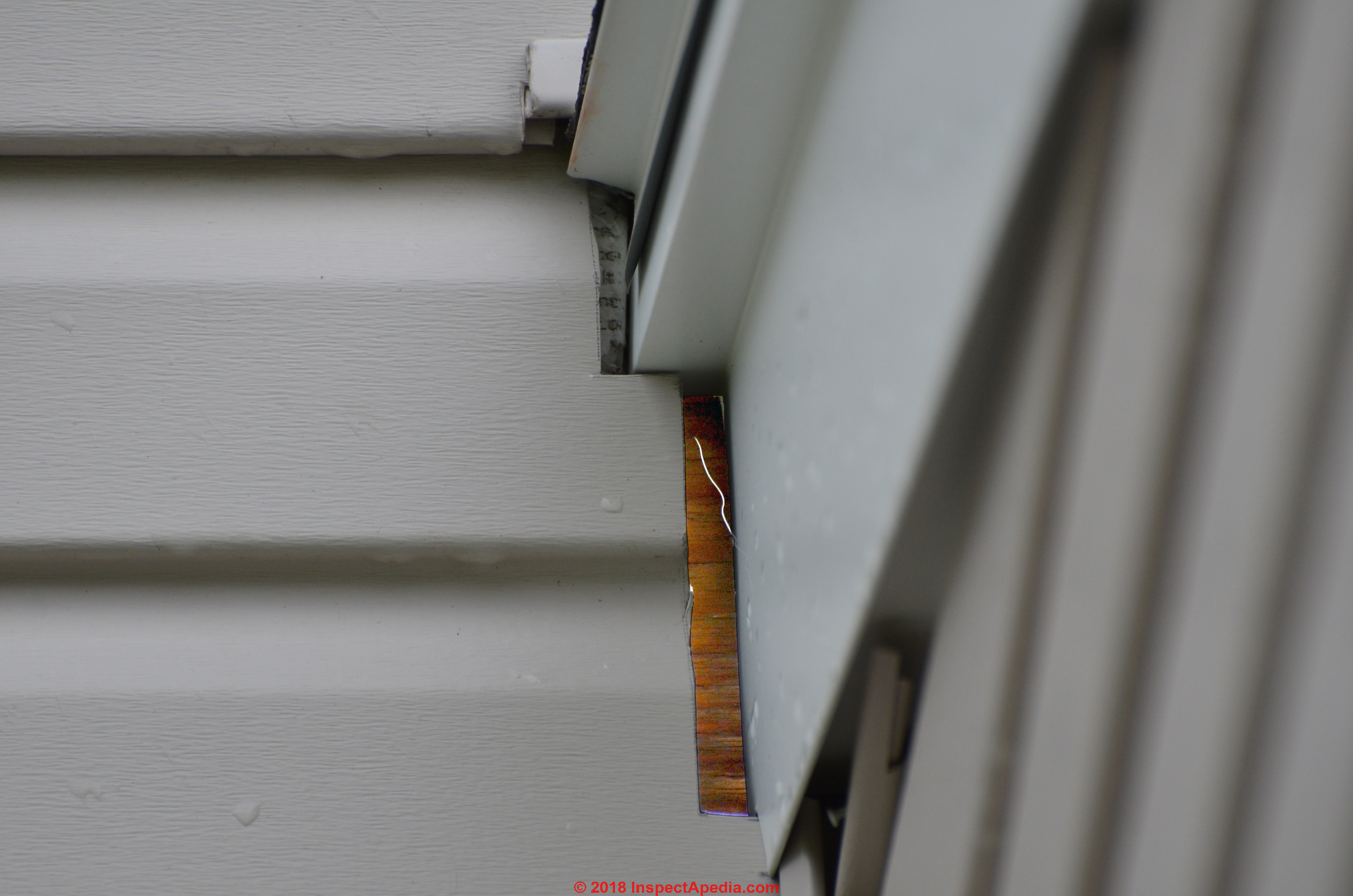 Siding Leak Troubleshooting Diagnose Repair Or Prevent Leaky To Properly Connect An Electrical Outlet C Carson Dunlop Associates Wet Area On Foundation Below May Come From Higher Wall
