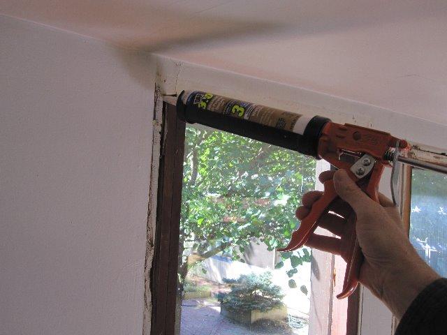 Fixing window door air leaks air sealing procedure - How to caulk exterior window trim ...