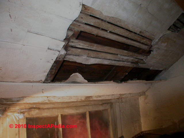 Loose Plaster Ceiling Amp Wall Hazards Falling Plaster