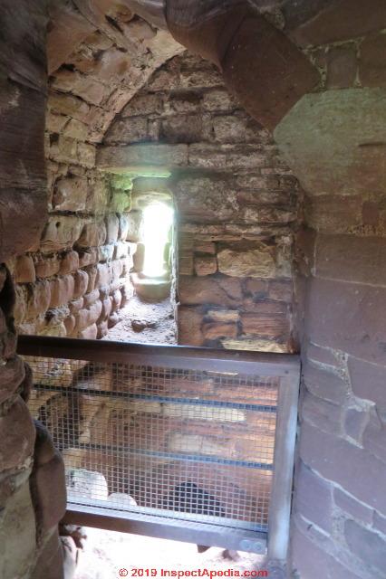 Goodrich Castle Ross On Wye The Latrine Tower An Early