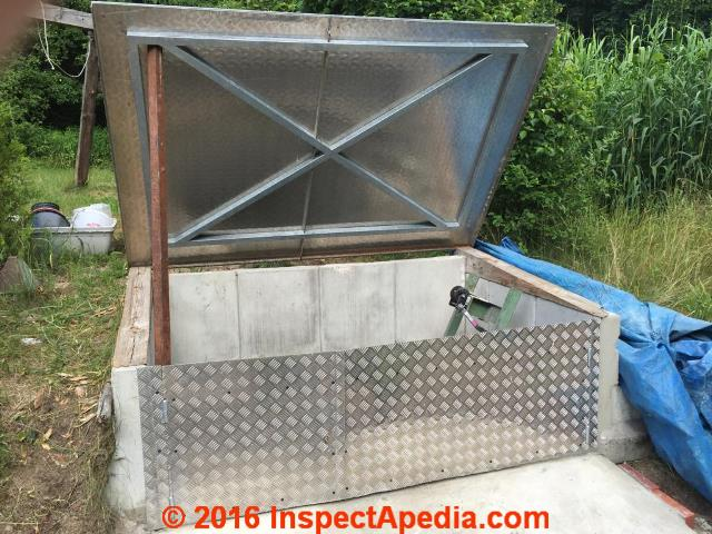 Concrete septic tank condition how to inspect concrete for Septic tank fumes in house