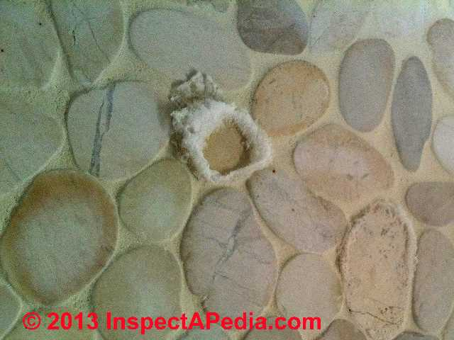 how to clean fungus in bathroom