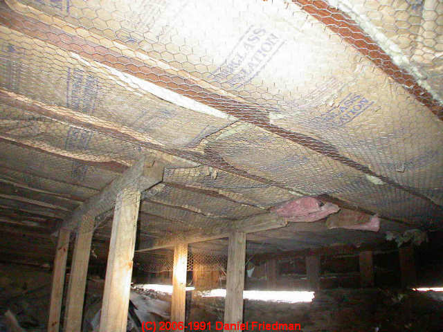 Crawl space mold looking for mold in crawlspaces a how to photograph moldy and rodent infested fiberglass insulation can be expected where fiberglass isused in an open this photo shows crawl space solutioingenieria Choice Image