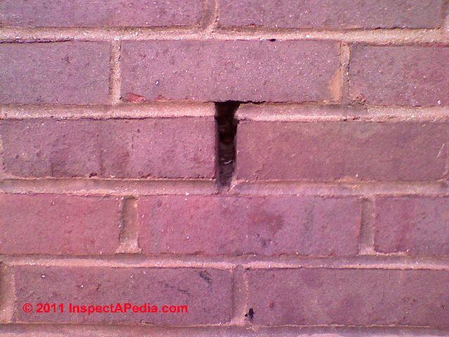 Weep Holes Drainage Moisture Ventilation In Brick Walls Provide - Brick weeps