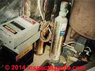Well pump controls & wiring in state of disrepair (C) Daniel Friedman